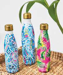 starbucks lilly pulitzer swell lilly pulitzer swell 2017 holiday collaboration