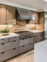 cuisine originale en bois design interieur crédence cuisine calcaire hotte acier inox meubles