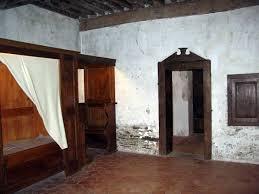 chambre de moine escapade à etienne et alentours en vous fait