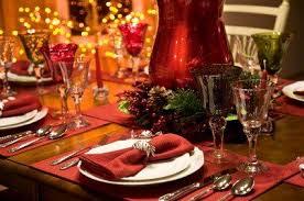 christmas table setting images christmas table settings lovetoknow