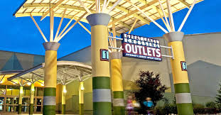 great lakes crossing outlets michigan s largest indoor outlet
