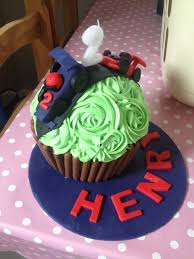 giant cupcake mummy to henry