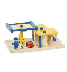 Plan Toys Parking Garage Reviews by Wooden Plan City Gas Station With Car Wash Magic Cabin