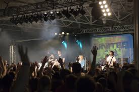 why i don t sing the songs of hillsong and jesus culture