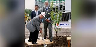 lexus uk ceo suzuki ceo steps down due to fuel economy scandal photos 1 of 4