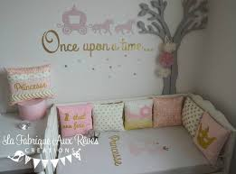 coussin chambre fille decoration chambre enfant bebe fille princesse conte fee dore