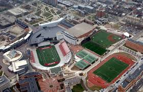 17 insanely expensive college athletic training facilities stack