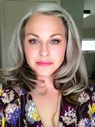 transitioning to gray hair with lowlights how bourgeois grannyhair going gray hooray pinterest