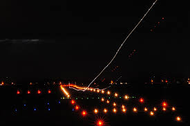 What Does A Flashing Red Light Mean Savvy Passenger Guide To Airplane Lights Aerosavvy