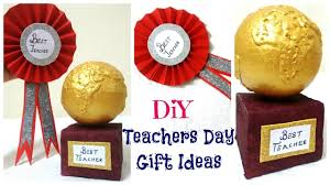 day gift teachers day gift ideas 2 easy diy badge and trophy