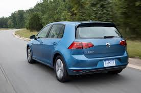 volkswagen hatchback 1995 2015 volkswagen e golf gets 1 995 price cut with new trim level