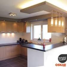 faux plafond cuisine ouverte cette cuisine fait partie d une maison à maur des fossés le