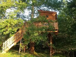 chambre insolite avec cabane avec spa haut claberot cabane dans les arbres pour 5
