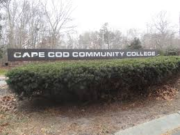 cape cod community college awards scholarships