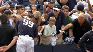 gifts for yankees fans watch this young yankees fan completely lose it after getting aaron