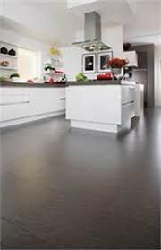 sol stratifié pour cuisine sol stratifié cuisine stratifi cuisine cuisine moderne parquet