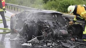 Lamborghini Aventador Engine - lamborghini aventador gets faulty engine replacement and burns on