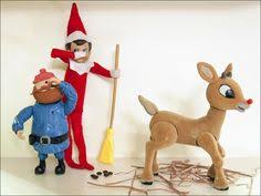 on the shelf reindeer smarty yukon clean the reindeer barn smartytheelf