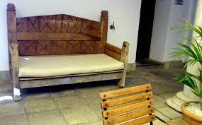 muebles y decoración de estilo colonial