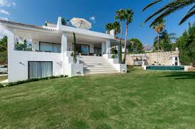 5 Bedroom 5 Bedroom 5 Bathroom Villa For Sale In Nueva Andalucia Marbella