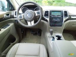 jeep grand cherokee interior 2013 2013 winter chill pearl jeep grand cherokee laredo x package 4x4