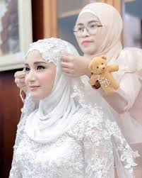 tutorial hijab syar i untuk pernikahan muslim wedding dress wedding pinterest muslim wedding dresses