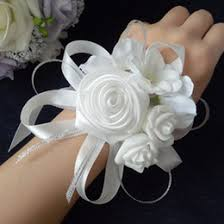 corsage and boutonniere prices grooms boutonnieres online grooms boutonnieres for sale