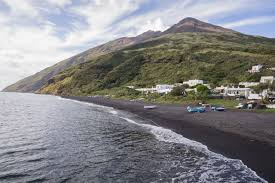 Black Sands Beach 20 Best Black Sand Beaches In The World Volcanic Sand Beaches To