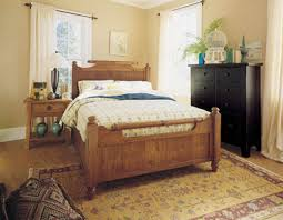 Broyhill Attic Heirlooms Nightstand Attic Heirlooms Queen Feather Bed By Broyhill Home Gallery Stores