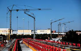 self erecting tower crane rental self erect cranes