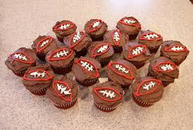 football cupcakes superbowl cupcake ideas 10 decorating ideas for your superbowl