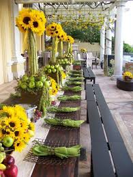Centerpieces With Sunflowers by Best 25 Apple Centerpieces Ideas On Pinterest Green Apple