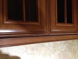 under cabinet light rail molding the