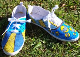 sharlzndollz decorate cheap canvas shoes with sharpies and doodling