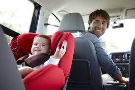 legislation siege auto enfant normes r44 04 et r129 la législation des sièges auto évolue