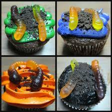 2015 halloween worms cupcakes what a creative idea fashion blog