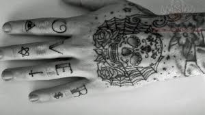 sugar skull and on fingers
