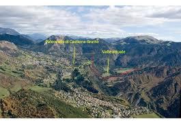 la testata la testata la testata della valle del valeggia vista da w sullo sfondo il m