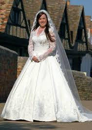 kate middleton wedding dress kate middleton inspired wedding dress turning heads in st ives