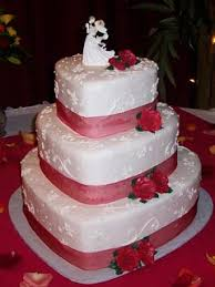 heart shaped wedding cakes wedding cakes the wedding specialiststhe wedding