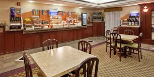 holiday inn express u0026 suites lansing leavenworth hotel by ihg