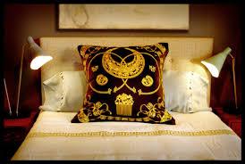 deborah main u0027s pillow tease on the design network pillow goddess