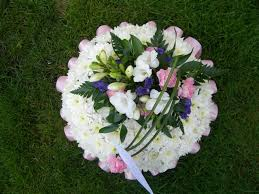 Oasis For Flowers - funeral flowers and arrangements essex and suffolk from bizzie lizzie