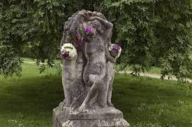 Geoffroy Mottart In Beeld Kunstenaar Geoffroy Mottart Zet Standbeelden In De