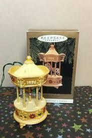 otagiri porcelain hummingbird box plays tenderly by