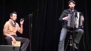 à mon bureau omar et accordéon pour me rendre à mon bureau
