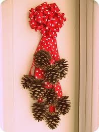 pine cone crafts and decoration ideas for the holidays pine cone