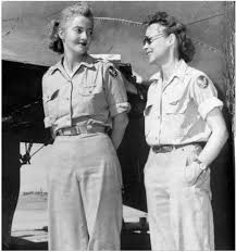 picture of heavy set women in a two piece bathing suit nancy love left and betty gillies in 1943 the first women to fly