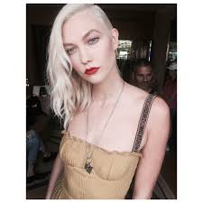 karlie kloss hair color karlie kloss is absolutely slaying with her new icy blonde hair