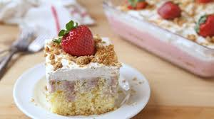 strawberry cheesecake poke cake recipe bettycrocker com